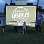 Bilde fra LaBeaus Drive Inn
