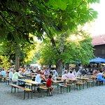 Biergarten Ambiente im Sommer