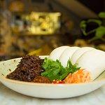 Beef-brisket,-Chu-Hou,-chilli-jam,-pickle,-steamed-bao