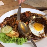 Foto de Melayu Malay Cuisine Restaurant Pantai Tengah
