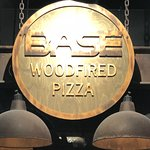 Foto BASE Woodfired Pizza