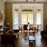 Breakfast room/lounge/bar area