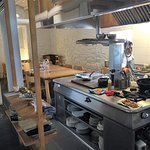 La cocina y mesa para grupos
