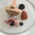 Terrine de foie gras au parfum de cerise et melon