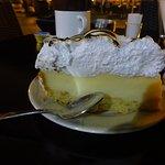 Φωτογραφία: Ζαχαροπλαστεία Μαυροειδής