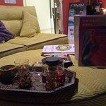 можно присесть и выпить чаю и до, и после процедуры)