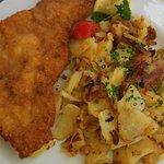 Wienerschnitzel with Roast Potatoes