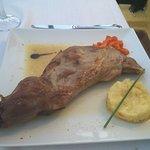 Epaule d'agneau de lait ròti - Paletilla de cordero lechal