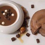 parfait glacé au chocolat noir à la noisette