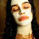 Detalle de mascarilla facial de arcilla en Tratamiento especial Andalusí