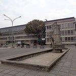 Plaza y Poder Judicial de la Pcia frente a Casa de Gobierno