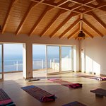 Quinta dos Artistas- Yogaraum mit Meerblick