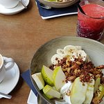 Cappuccino, homemade granola and beat juice : perfect to begin the day!