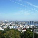 Άποψη της πόλης και ο Δνείπερος