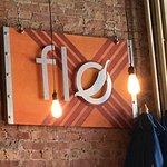 ภาพถ่ายของ Flo