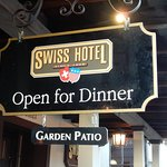 Foto Swiss Hotel Bar and Restaurant