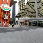 صورة فوتوغرافية لـ Universal City Walk Osaka