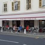 Terrasse dining - on the street, but not noisy