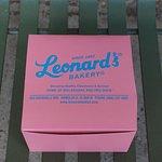 Leonard's Waikele Shopping Center resmi