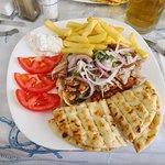 Foto de Kenny's Gyros & Grill Restaurant