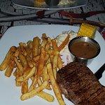 Foto van Pirates Beach Bar & Grill