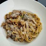 Photo de Ecru Restaurant & Caffee