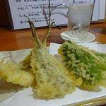 メゴチとイカの紫蘇巻天ぷら