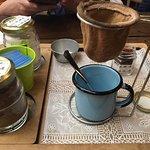 Café coado acompanhado de doce de leite