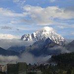 冈仁布钦山の写真