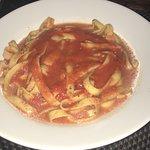 Ossobuco com risoto de açafrão, Tagliatelle pomodoro e gorgonzola e tiramissu