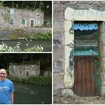 A derelict house along the Cromford Canal.