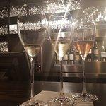 Foto de Bubbles & Wines Winebar and Champagne Bar