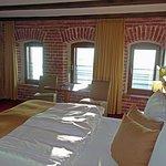 Stilvoll renoviertes Backsteinzimmer 441