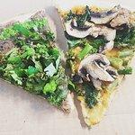 Kaleiente and Yogi pizza