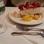 Cake witch strawberries