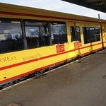 le petit train jaune en gare