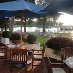 What a lovely way to have breakfast, lunch or dinner - by the water!