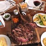 Restaurante Dino's Steakhouse