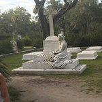 ภาพถ่ายของ Bonaventure Cemetery Journeys w/ Shannon Scott