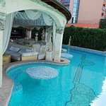 Golden Pearl Hotel