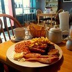 Full Irish breakfast. (includes tea and toast)