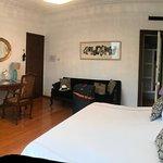 great spacious bedroom.