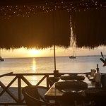Foto van Spinnakers Beach Bar & Grill