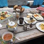 Vegetarisches Frühstück 10€ und Skandinavische Frühstücksplatte für 13€ (Tee extra)