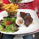 """Bavette d'aloyau, frites et salade de chez """"Lili et Riton"""""""