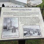 Foto van 1935 Santa Statue