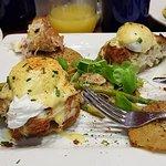 Foto de Miss Shirley's Cafe