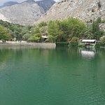 Foto van Zaros Lake