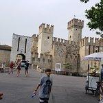 Castello e torre di Rivoltella Foto