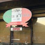 Pizza a'fettaの写真